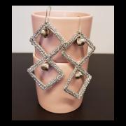 Orecchini di filato glitterato argento e perle
